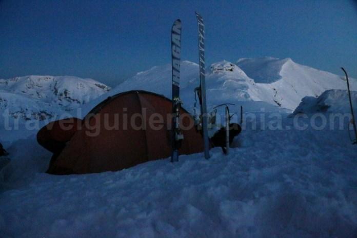 Camparare iarna la munte - Muntii Parang