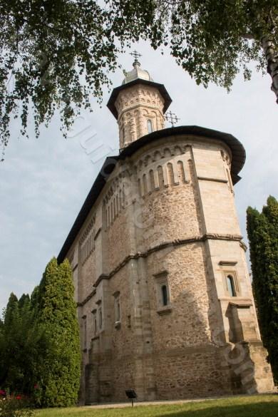 Descopera bisericile Bucovinei - Manastirea Dragomirna