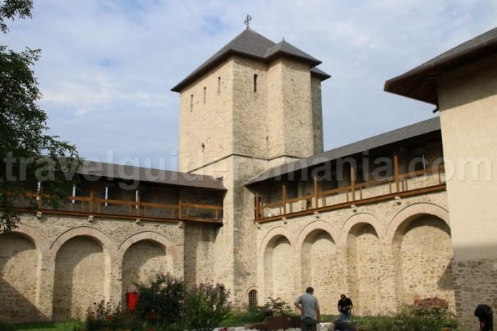 Zidurile de aprare ale Manstirii Dragomirna - Moldova