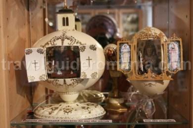 Exponate de la Muzeul Oului din Vama, Bucovina