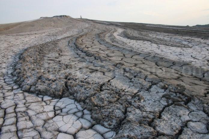 Rezervatii Naturale din Romania - Vulcanii noroiosi de la Berca