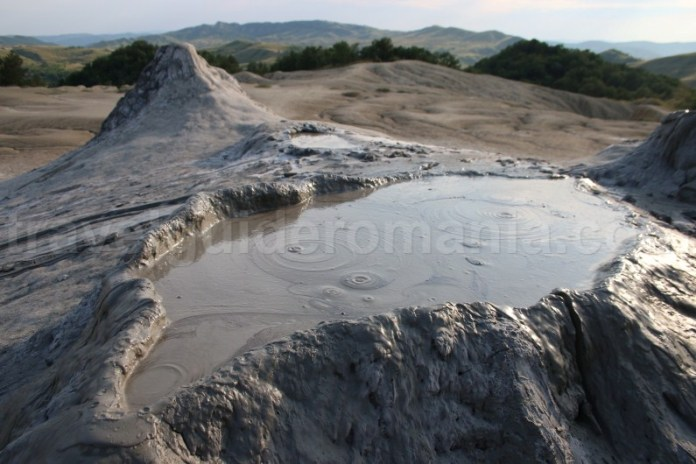 Vulcanii noroiosi de la Berca - Romania