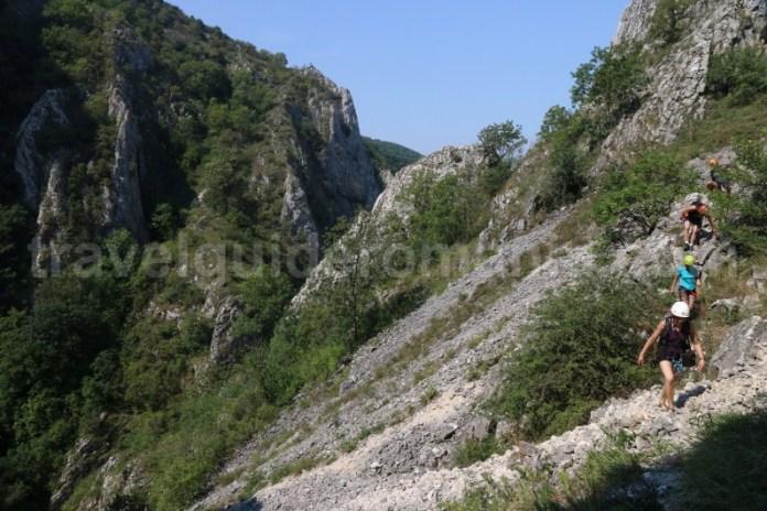 Acces la traseul de via ferrata din Cheile Turzii