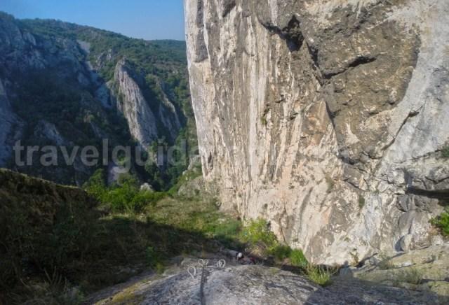 Aventura in Muntii Apuseni - Traseul de via ferrata din Cheile Turzii