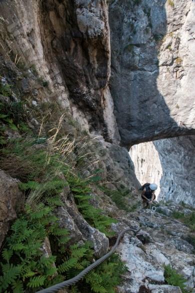 Cablul montat în traseul de via ferrata din Cheile Turzii