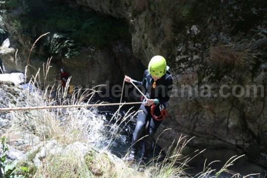Coborare a doua cascada din Canionul Valea Marii