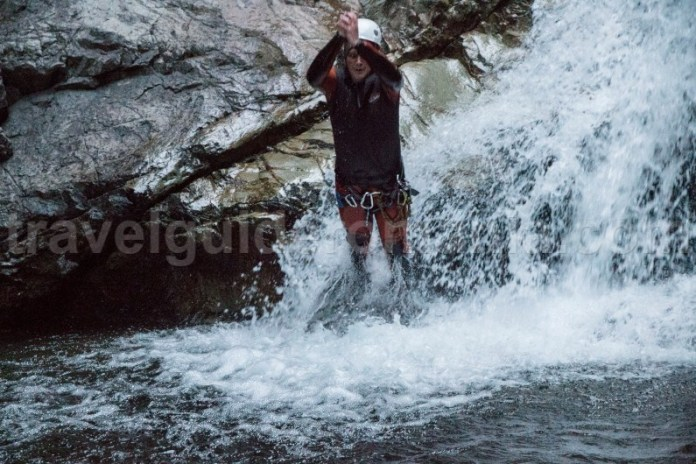 Sarituri pe canionul Valea Marii - Muntii Retezat