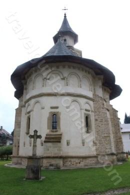 Atractii turistice din Bucovina - Manastirea Putna