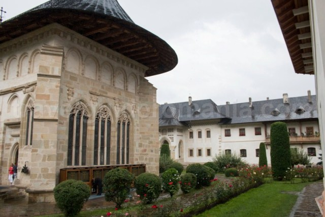 Excursii ghidate la manastirile din Bucovina - Romania