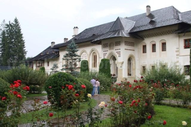 Manastiri din Bucovina - Manastirea Putna