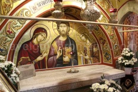 Mormantul domnitorului Stefan cel mare - Mare - Biserica Putna
