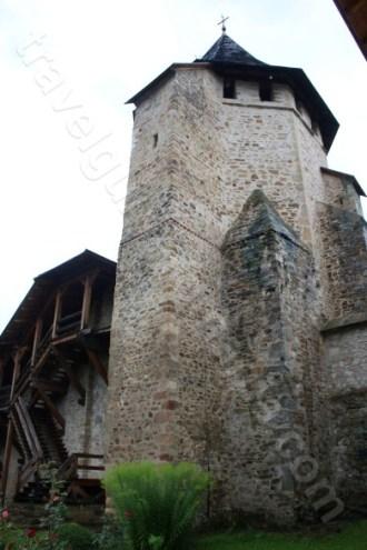 Turnul Tezaurului de la Manastirea Putna