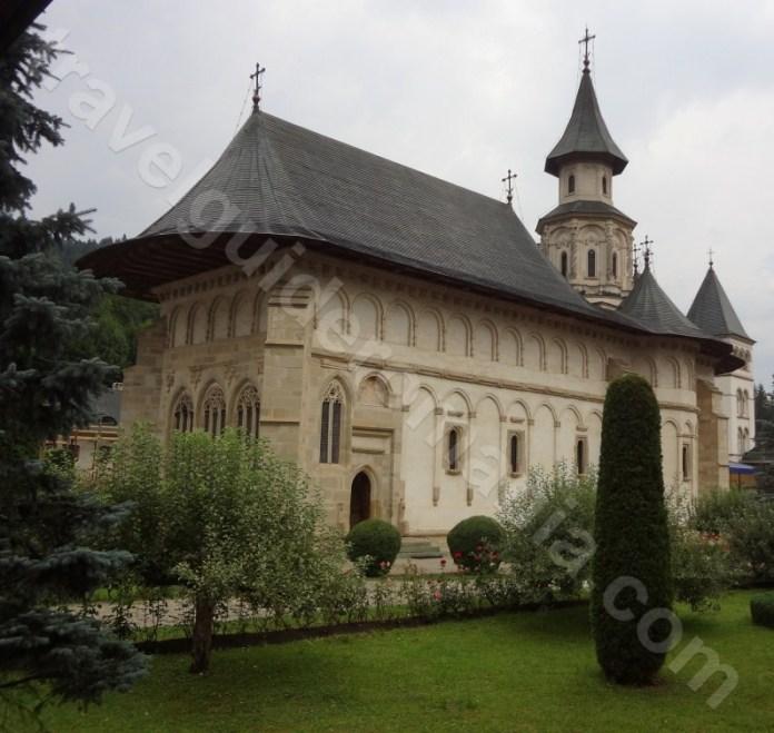 Turul manastirilor din Bucovina - Manastirea Putna