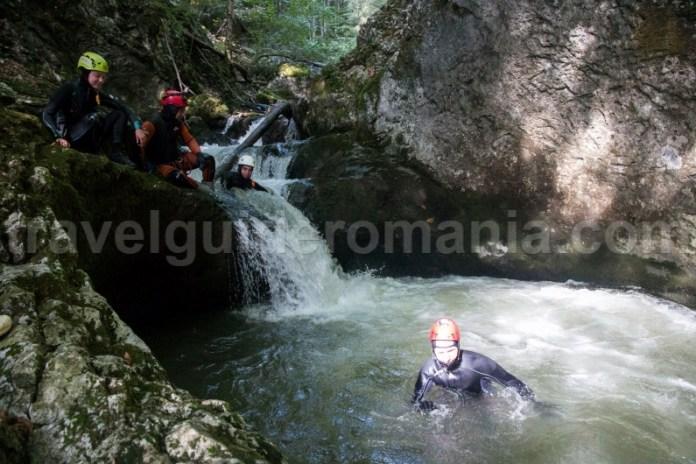 Teambuilding prin activitati de aventura in Muntii Apuseni