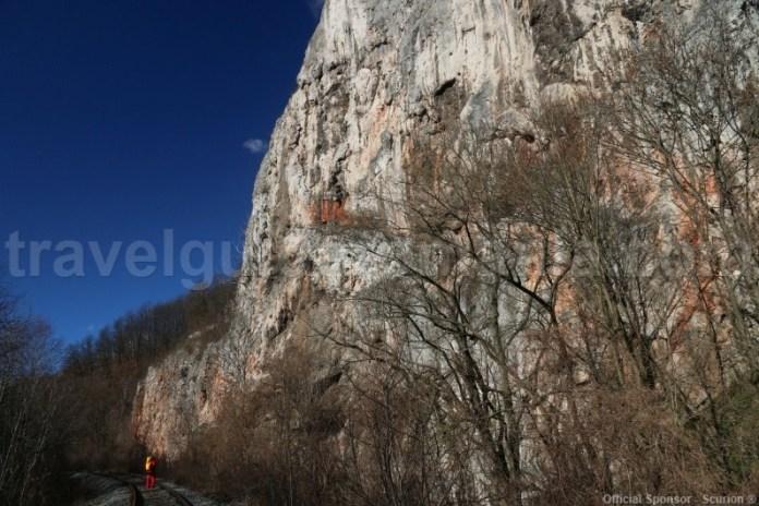 Ghidaj montan in Muntii Apuseni - Defileul Crisului Repede