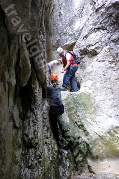 excursii-organizate-cu-ghid-montan-autorizat-in-muntii-bucegi