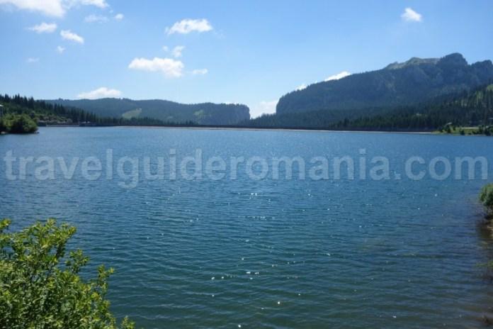 lacul-bolboci-muntii-bucegi