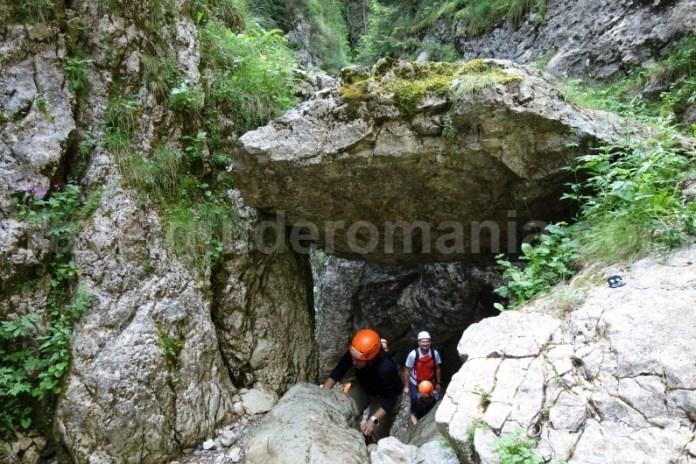 trasee-de-aventura-in-muntii-bucegi-valea-horoabelor