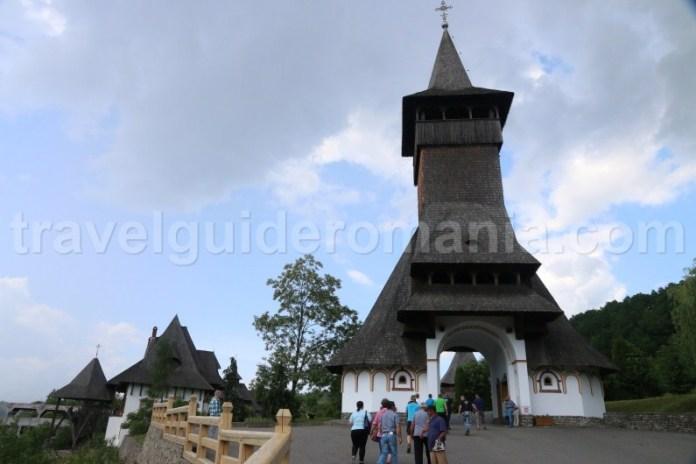 intrare-in-manastirea-barsana-maramures