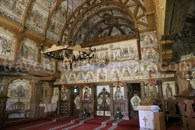 turism-eclectic-in-romania-manastirea-barsana