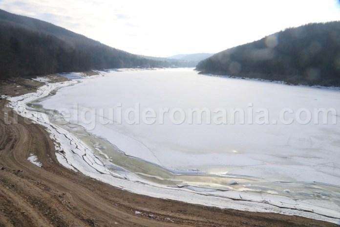 Lacul de acumulare Gozna – Crivaia - muntii Semenic
