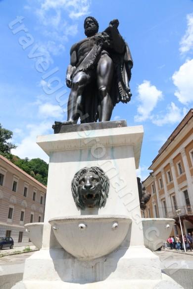 Statuia lui Hercules din Baile Herculane