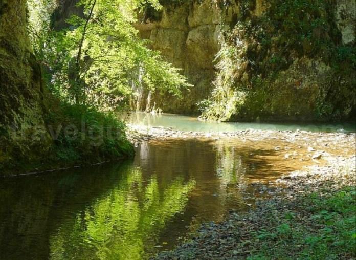 hiking valea videi chei Padurea Craiului Apuseni