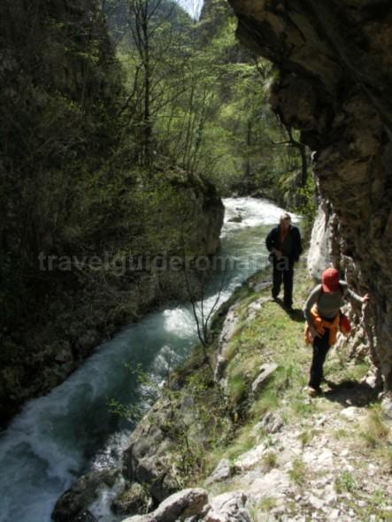 Parcul-National-Semenic-Cheile-Carasului-cheile-garlistei