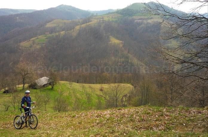 sate cehesti banatul montan almajului mountain biking