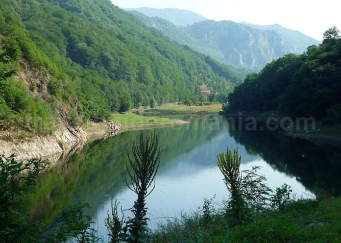 Parcul Naţional Domogled - Valea Cernei lac prisacina