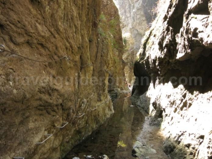 muntii fagaras canionul valea lui stan