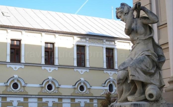 """Teatrul """"Regina Maria"""" Oradea"""