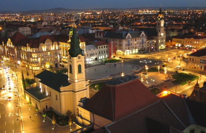 Piata Unirii Oradea noaptea