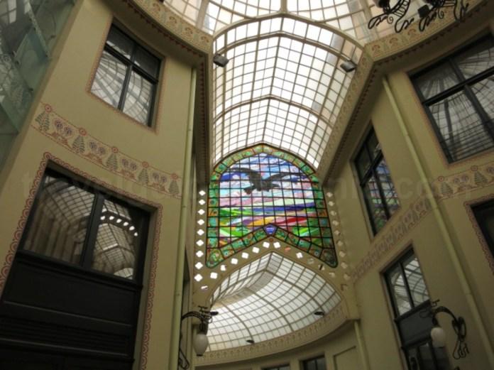 vitraliu vultur Palatul Vulturul Negru Oradea