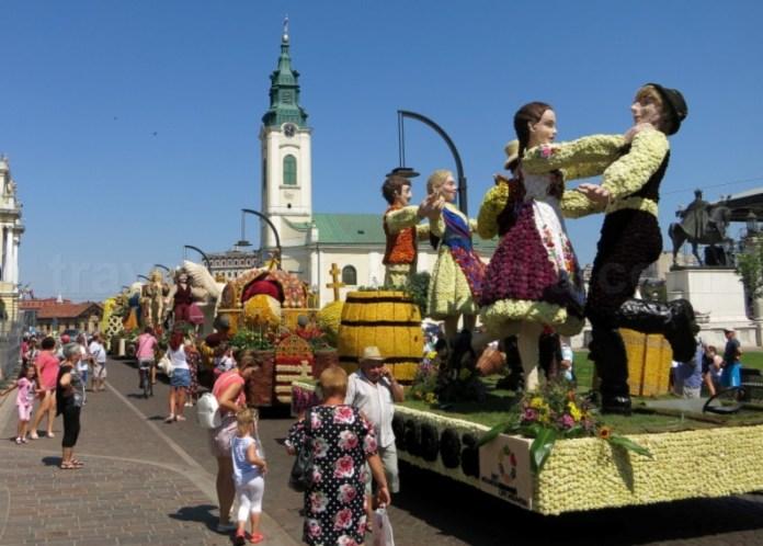 Piata Unirii Oradea carnavalul florilor