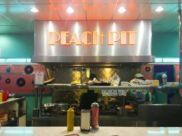 Peach Pit 90210 grill Pop-Ups in Los Angeles