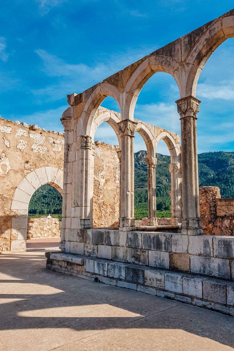 Monastery of Santa Maria de la Valldigna - Walls