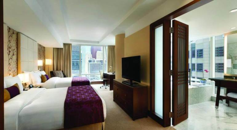 Best Luxury Hotels Toronto: Hotel Shangri-La.