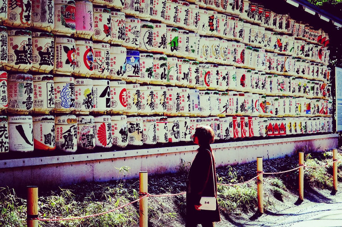 Things to do in Tokyo: Sake barrels at Meji Jingu