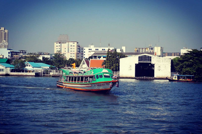 Chao Phraya River - How to use the express boats