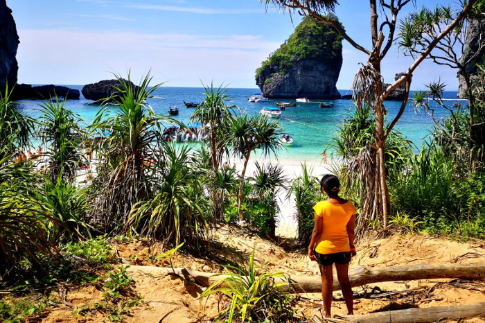 Things to do in Krabi Thailand: Visit Bamboo beach on Bamboo Island