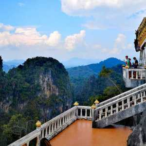 Tiger Cave Temple – A trip from Ao Nang beach by scooter