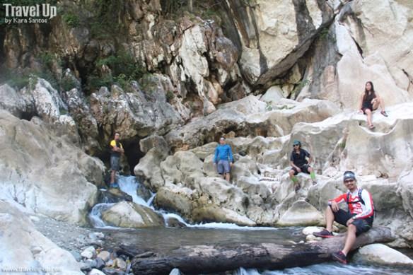 18. group shot outside tinipak cave