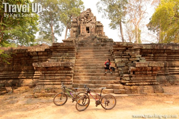 biking cambodia angkor archaeological park preah pithu 01