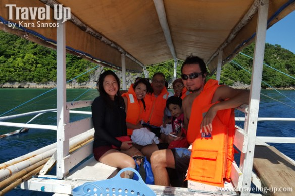 caramoan group family photo boat