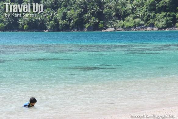 caramoan island hopping pitogo island beach water