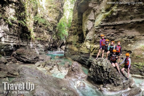 kawasan canyoneering cebu group shot travelup