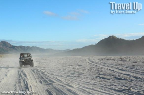 mt. pinatubo 4x4 jeep desert landscape