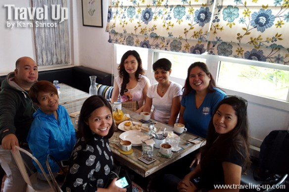 pampanga cafe fleur food trip group shot
