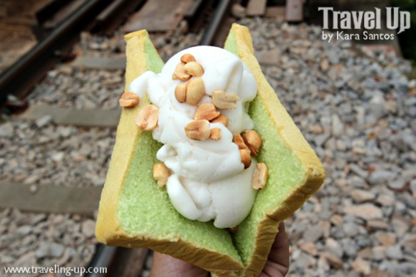 thailand coconut ice cream sandwich peanuts